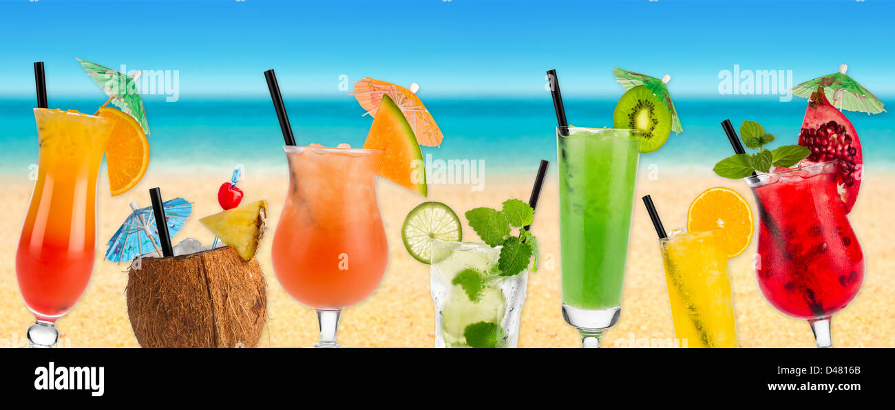 Cocktails in front of beach and sea - Stock Image