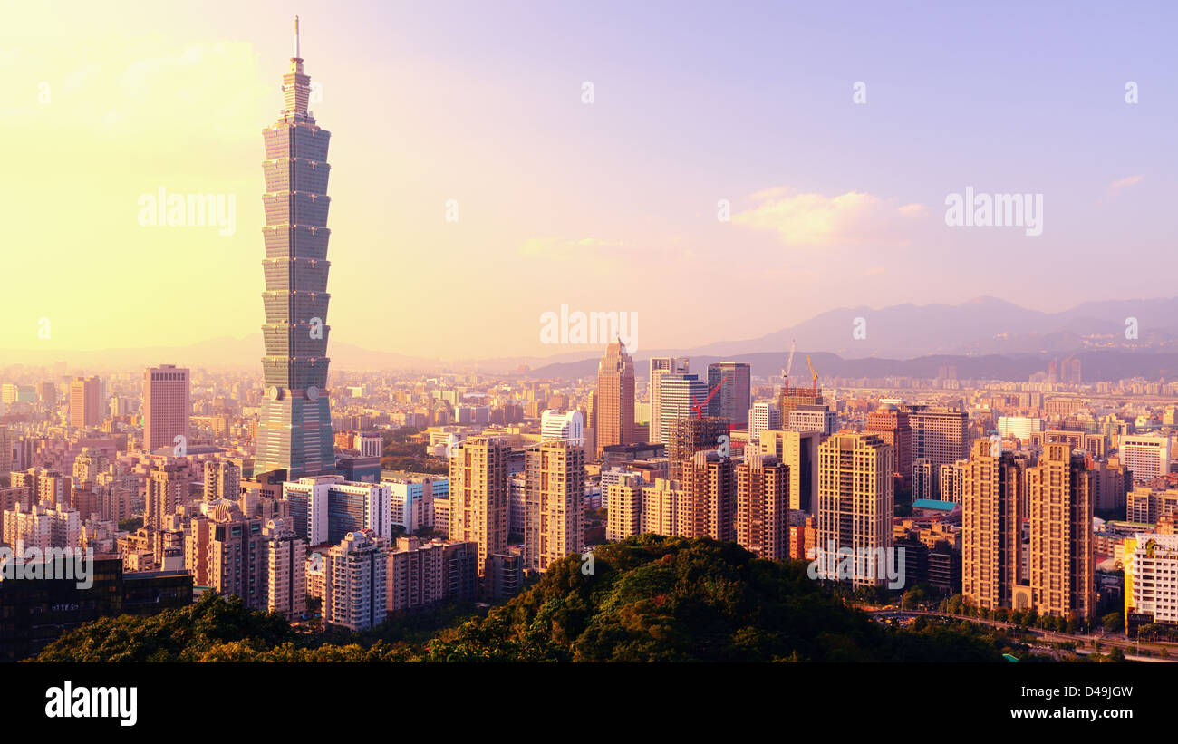 Taipei, Taiwan evening skyline. - Stock Image