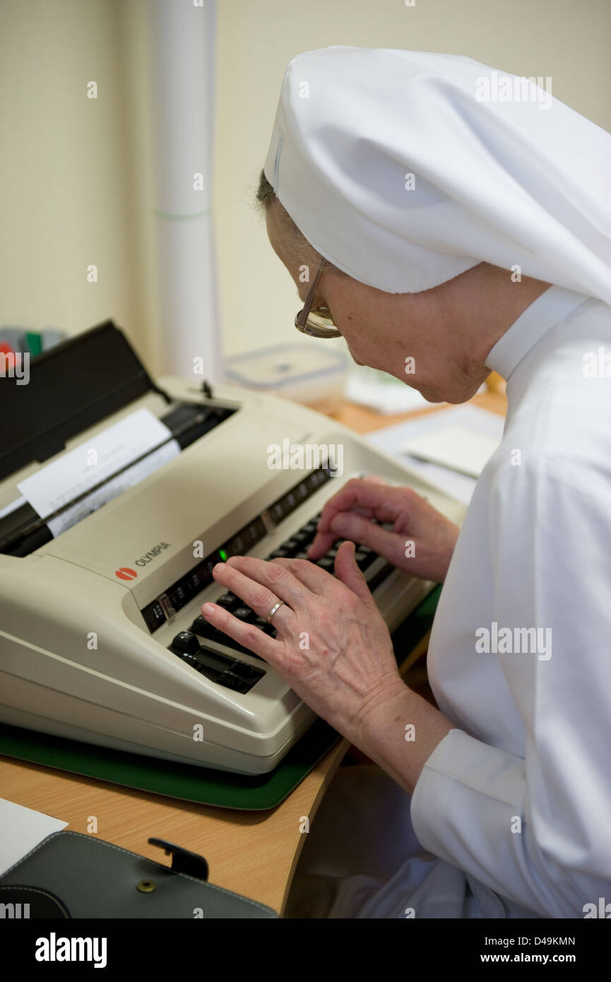Heitersheim, Germany, a sister wrote something on a typewriter - Stock Image