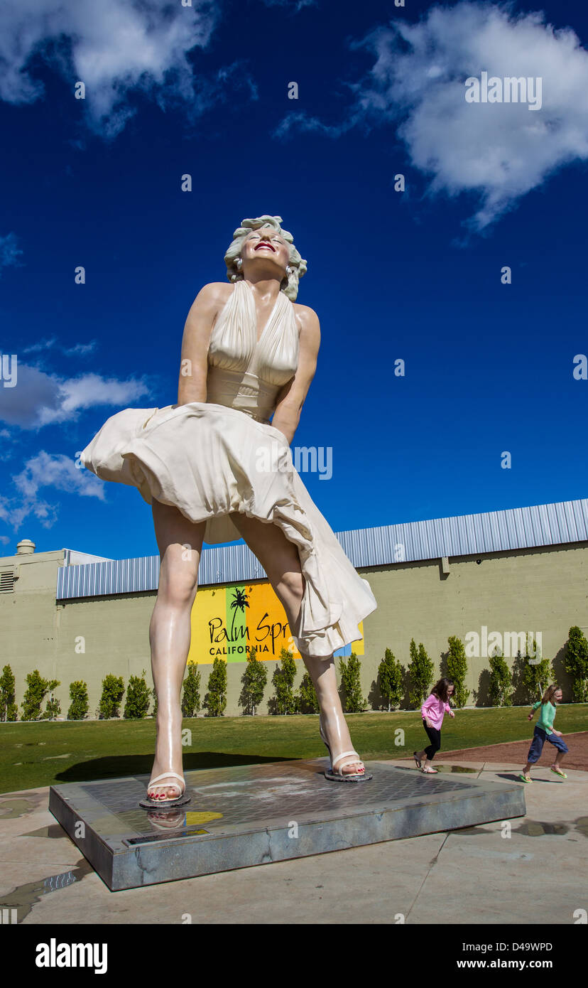 'Forever Marilyn,' the 26-foot-tall statue by the artist Seward Johnson on display in Palm Springs. - Stock Image