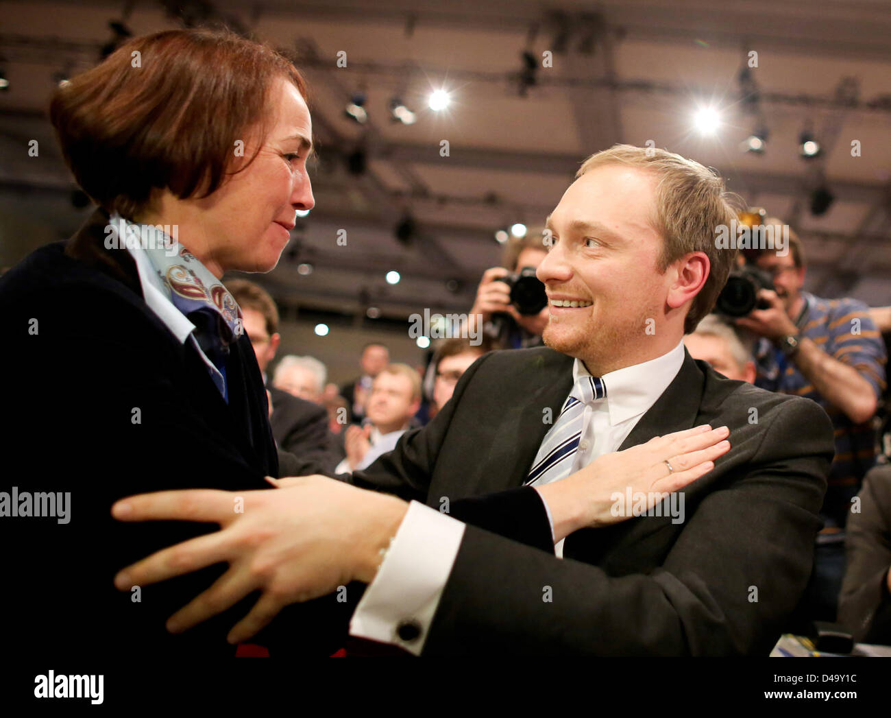 Party colleague Angela Freimut congratulates the chairman of North Rhine-Westphalia's FDP and newly elected - Stock Image