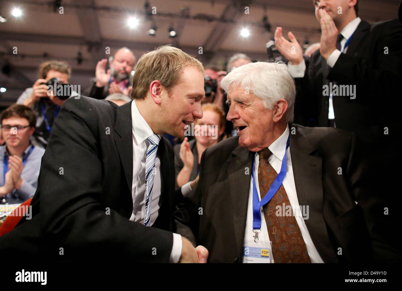 Party colleague Burkhard Hirsch congratulates the chairman of North Rhine-Westphalia's FDP and newly elected - Stock Image