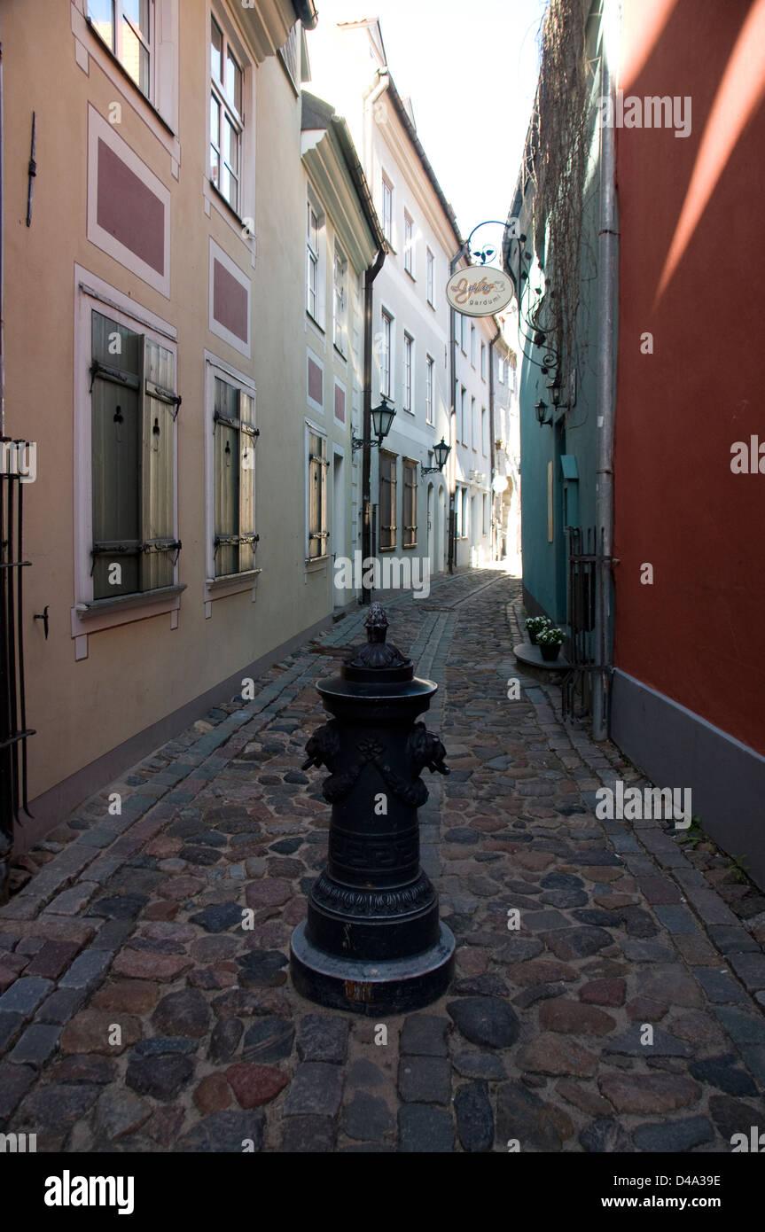 A medieval alley,Troksnu iela in Riga Old Town, Riga,Latvia Baltic States - Stock Image