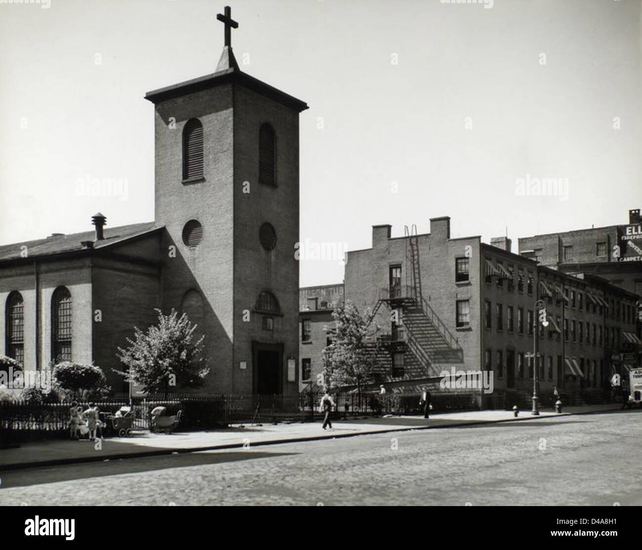 St. Luke's Chapel and Old Houses, Hudson, corner of Grove, M... Stock Photo