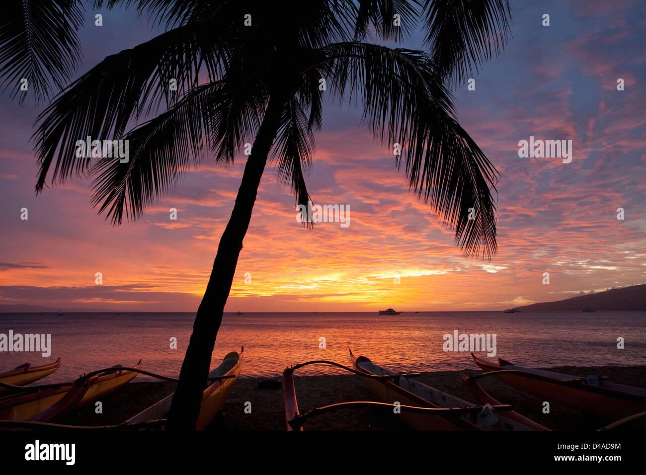 Spectacular sunset at Kihei, Maui, Hawaii. - Stock Image