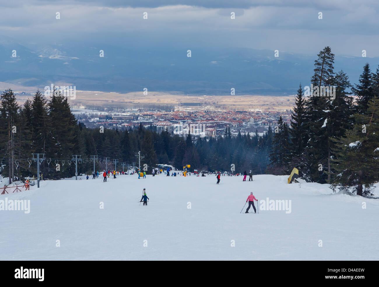 Mass downhill skiing nearby Bansko resort, Bulgaria - Stock Image