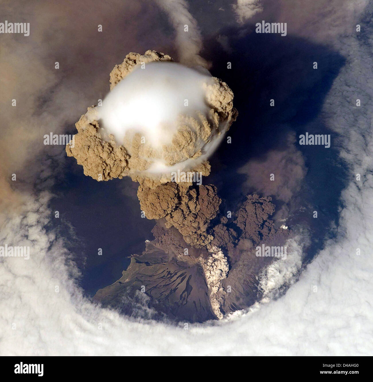 Volcano erupting, Volcanic eruption, Russia's Sarychev Volcano, located in the Kuril Islands, erupting, as seen - Stock Image