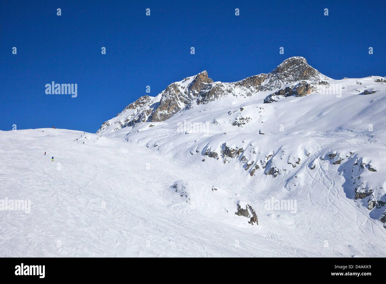Le Serac blue piste, winter sun, Champagny, La Plagne, France, Europe - Stock Image