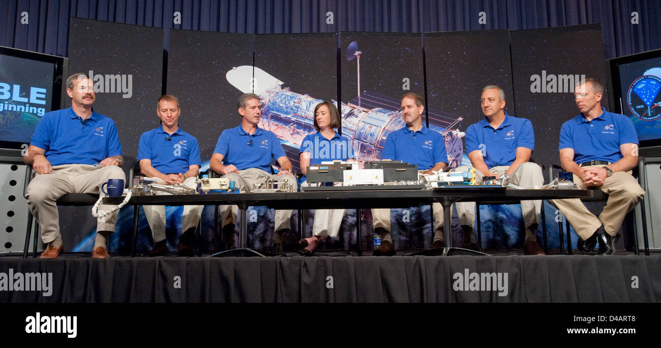 STS-125 Hubble Crew Press Conference - Stock Image