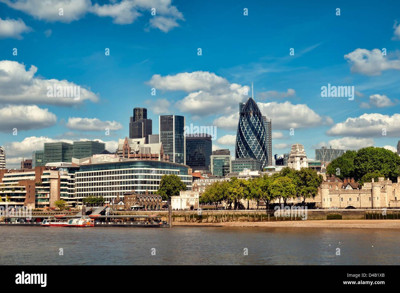 City of London skyline. (Tower 42, Willis Building, Aviva, Gherkin, Tower of London) - Stock Image