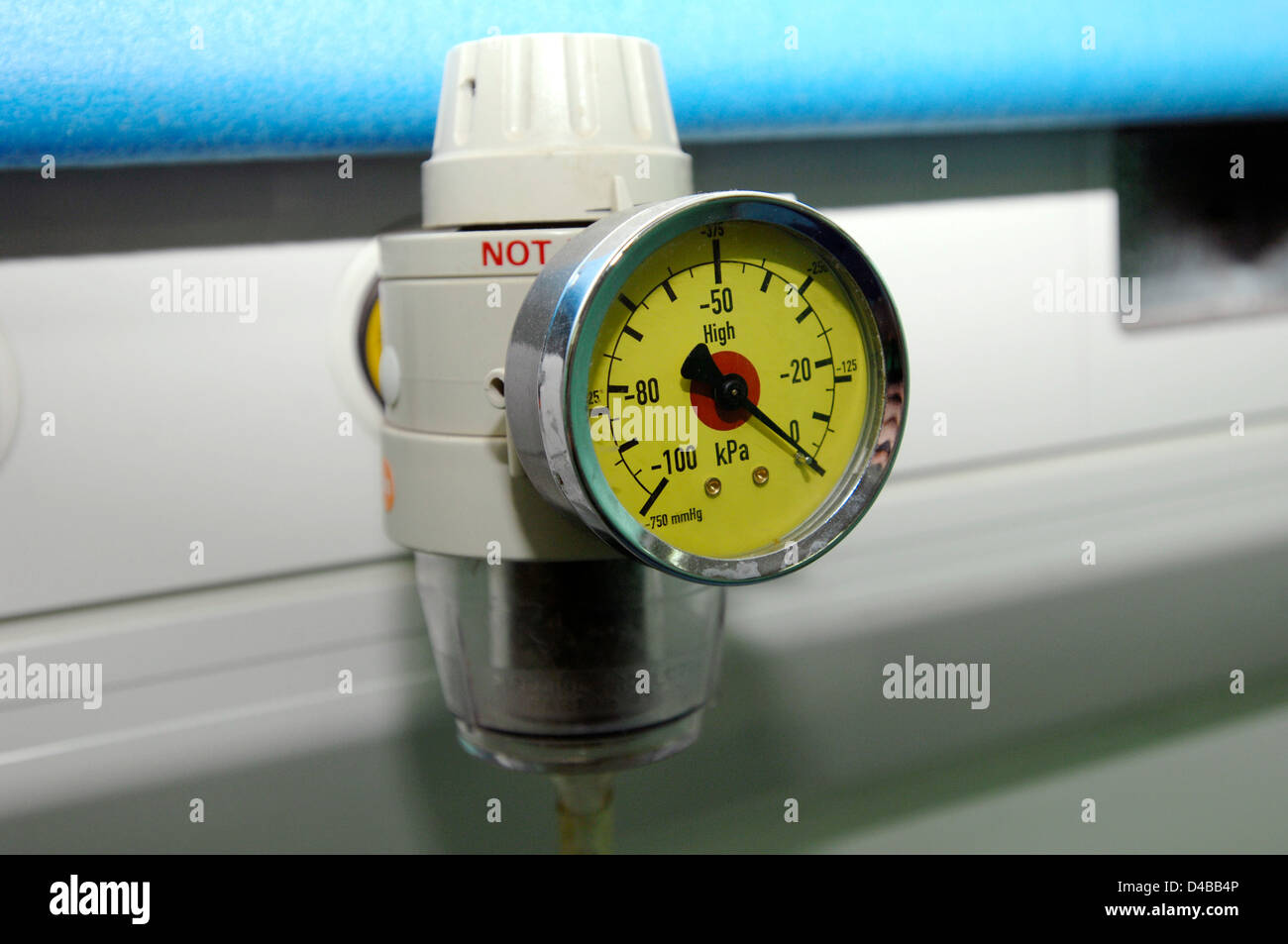 The regulator allows nursing staff manually control pressure (measured in kilo pascals) medical gases administered - Stock Image