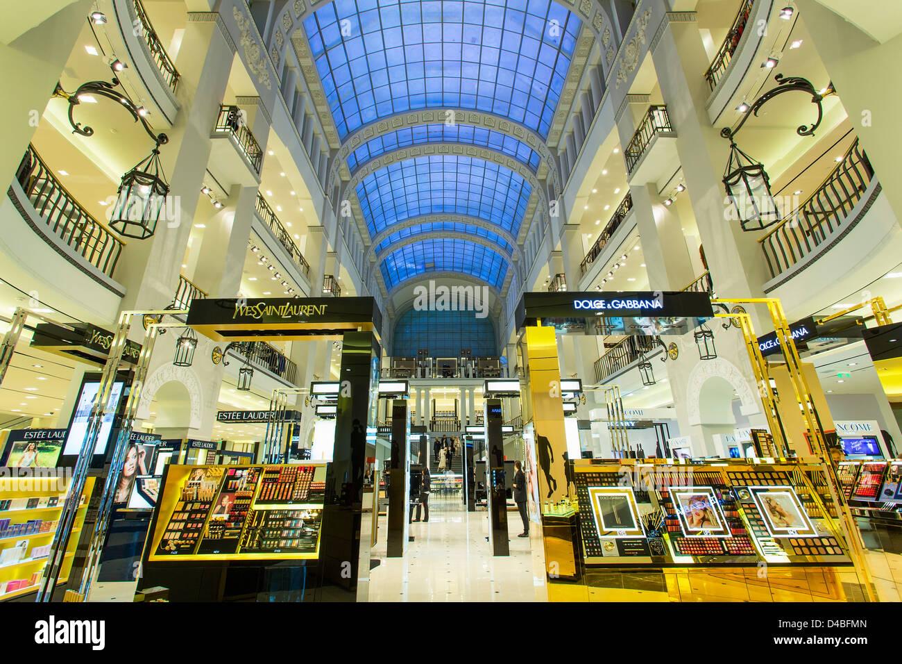 St. Petersburg, DLT department Store - Stock Image