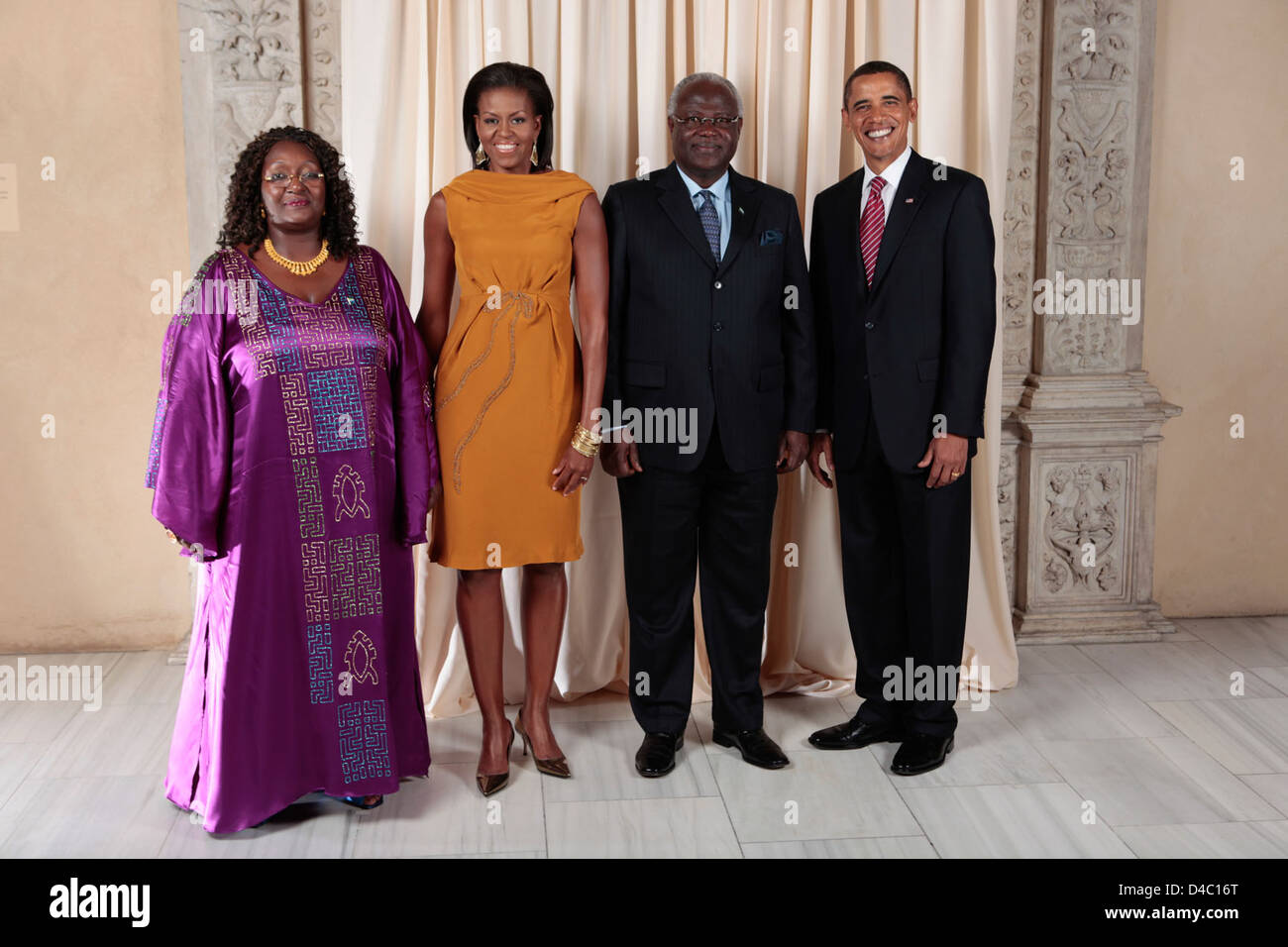 U.S. President Barack Obama and First Lady Michelle Obama With World Leaders at the Metropolitan Museum in New York - Stock Image