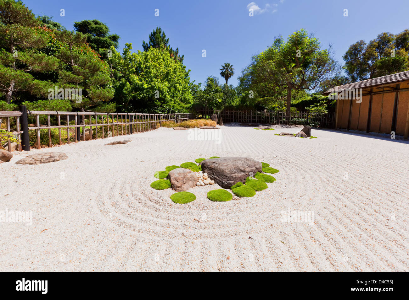 Raked white pebbles in the Japanese Garden in the South Parkland's of Adelaide in South - Stock Image