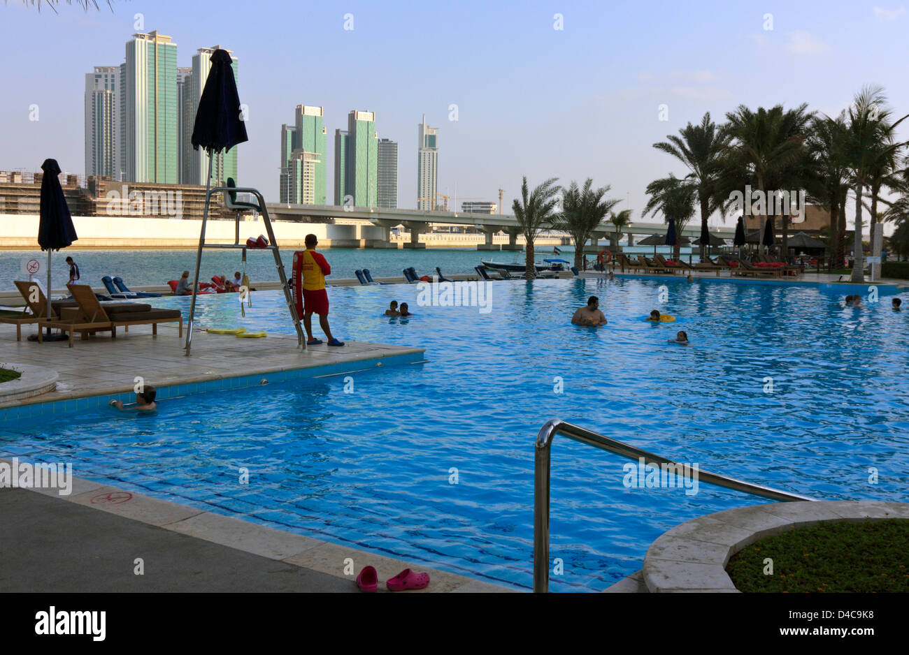 Reem stock photos reem stock images alamy for Swimming pool offers in abu dhabi