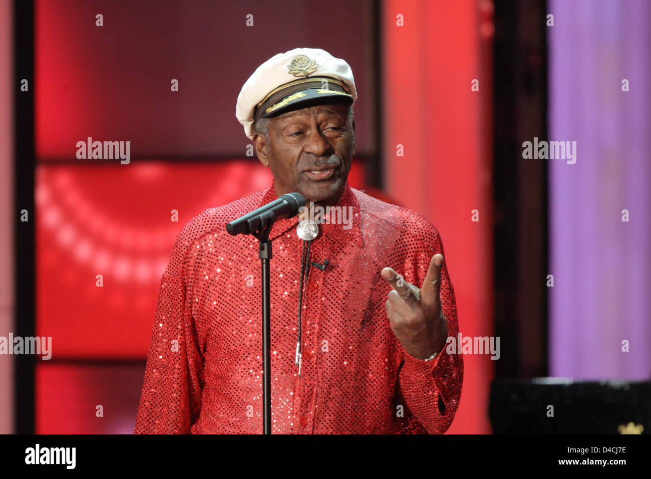 US music legend Chuck Berry delivers a speech at the 43rd 'Goldene Kamera' Awards in Berlin, Germany, 06 - Stock Image