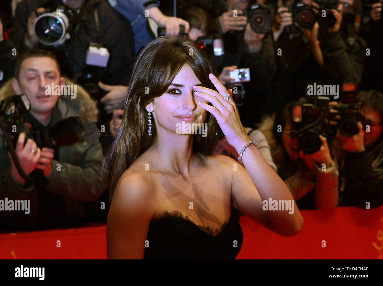 Spanish actress Penelope Cruz arrives for the premiere of her film 'Elegy' at the 58th Berlin International - Stock Image
