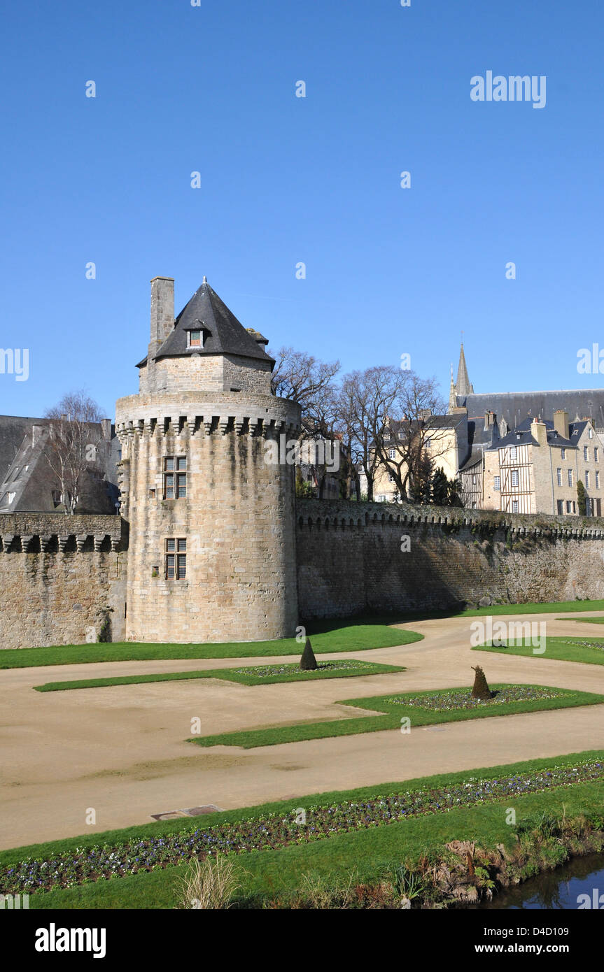 Circular Stone Tower into Walls of Vannes City with a blue sky - Stock Image