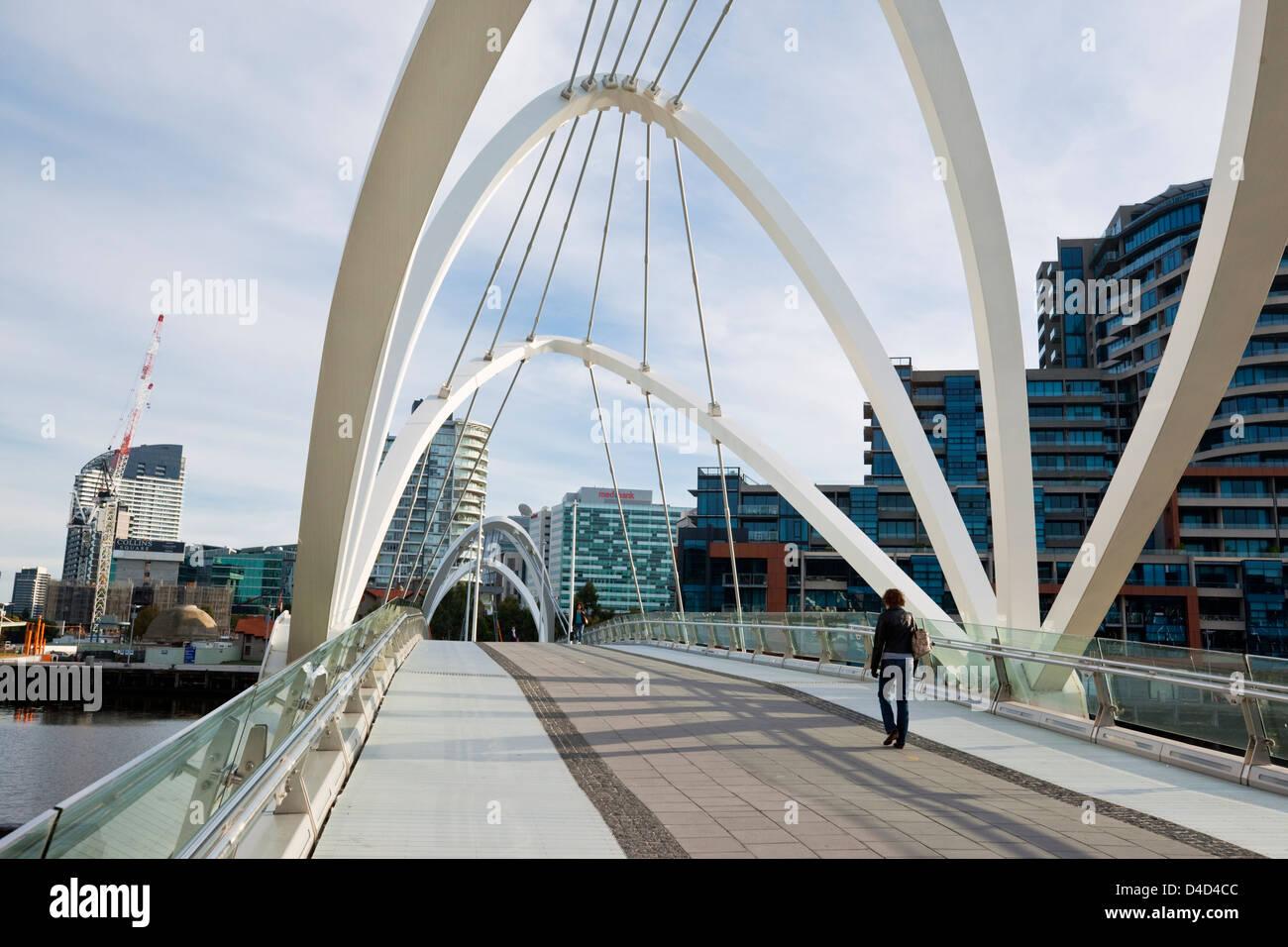 The Seafarers Bridge - a footbridge connecting Docklands with South Wharf. Melbourne, Victoria, Australia - Stock Image