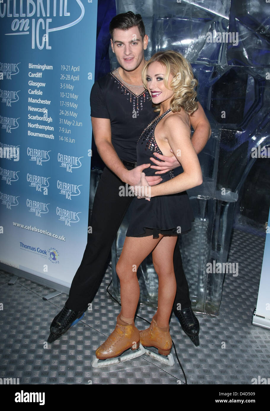 MATT LAPINSKAS & BRIANNE DELCOURT CELEBRATIES ON ICE PHOTOCALL FOR UPCOMING TOUR ICE BAR BY ICEHOTEL LONDON ENGLAND Stock Photo