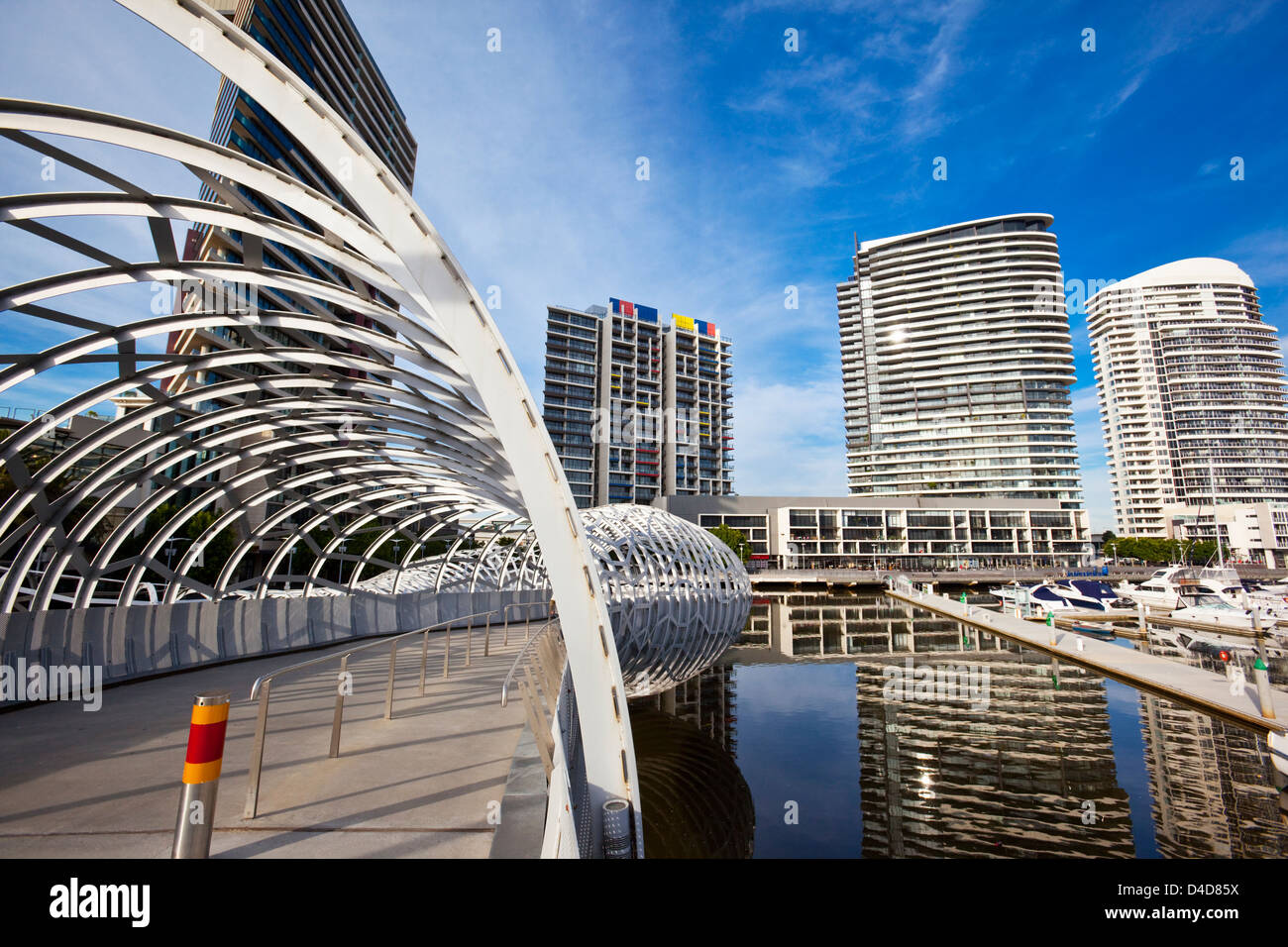 The Webb Bridge in Melbourne's Docklands - Its design was inspired by Koorie fishing traps. Melbourne, Victoria, - Stock Image