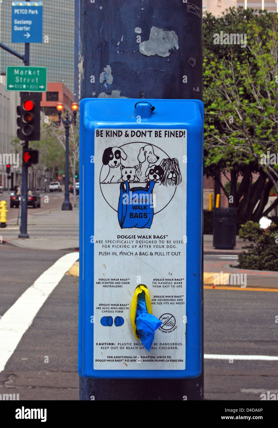 In San Diego, California a machine that dispenses free doggie bags - Stock Image