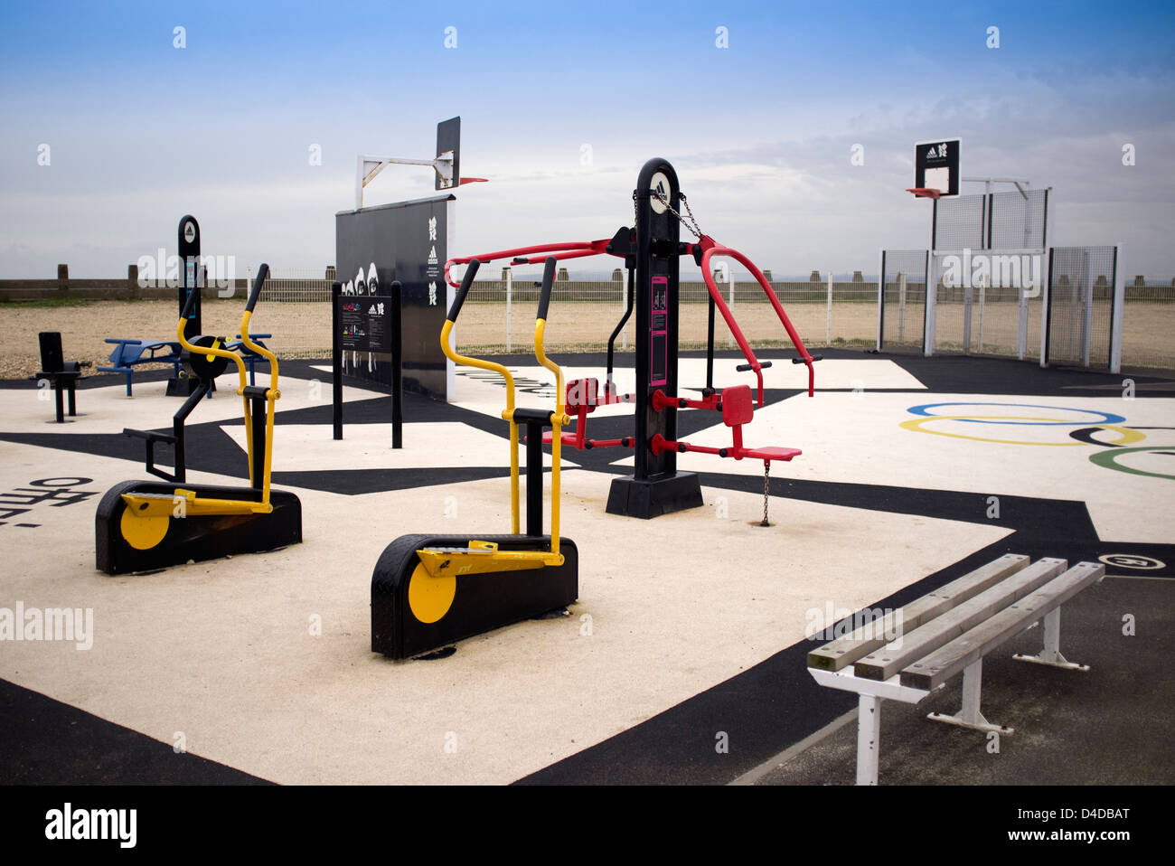 outdoor gym with exercise machines - Stock Image