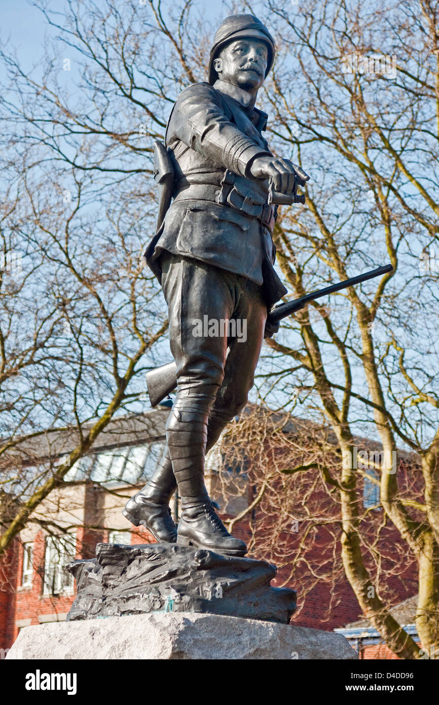 Statue of Lt Col William McCarthy O'Leary in Queen's Gardens, Warrington, Lancashire Stock Photo