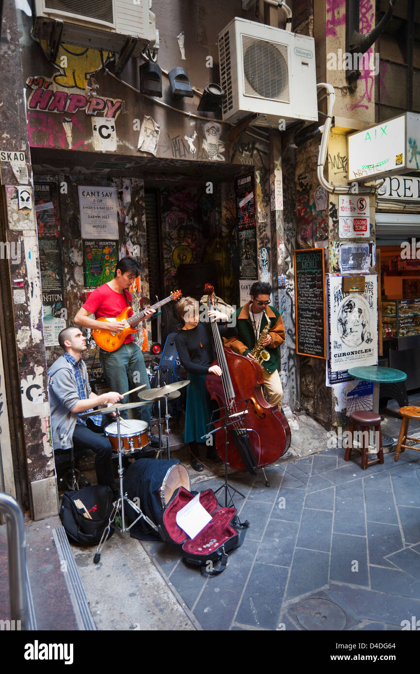 Buskers playing in laneway at Centre Place. Melbourne, Victoria, Australia - Stock Image