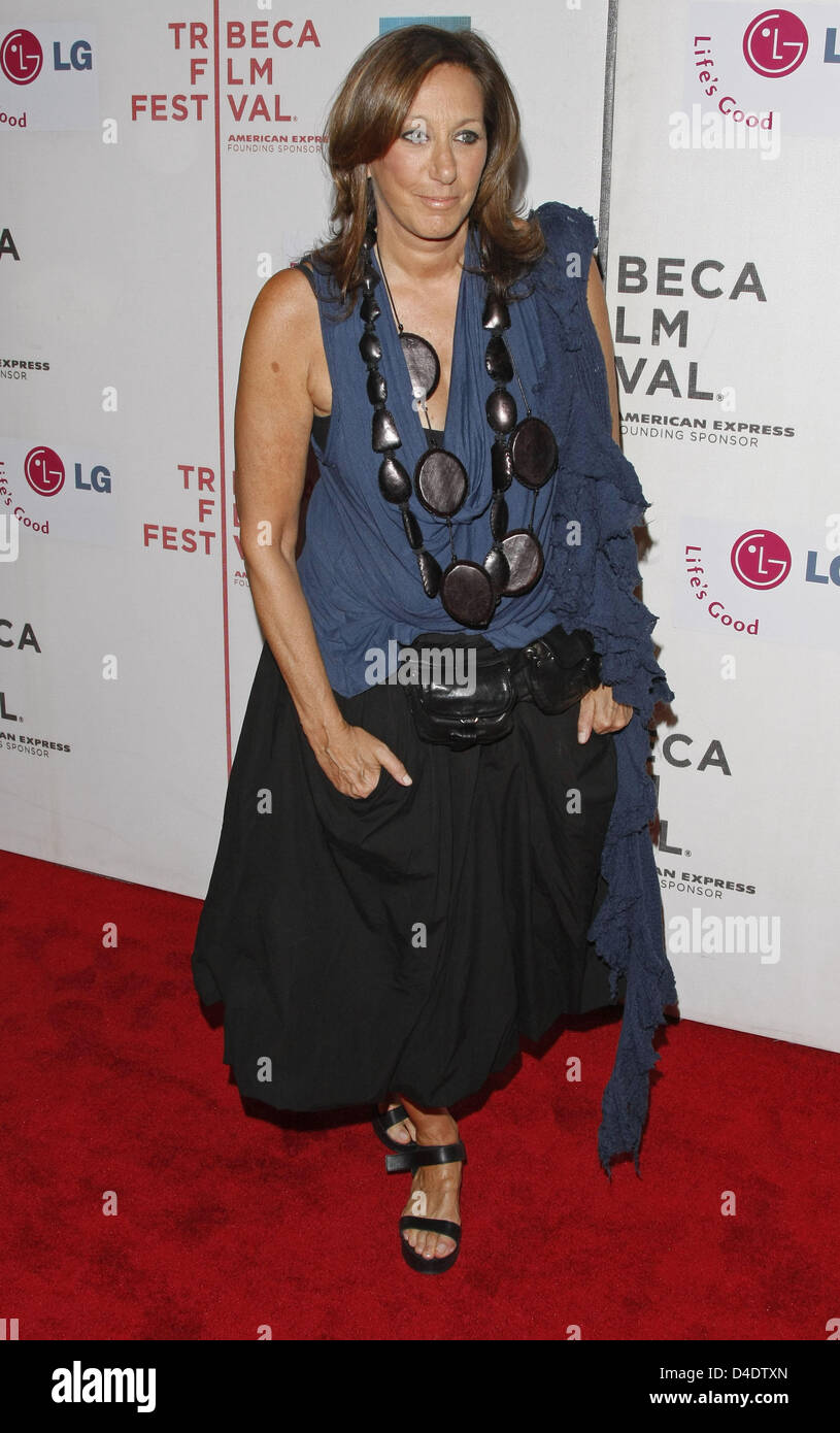 Fashion Designer Donna Karan Arrives At The I Am Because We Are Stock Photo Alamy