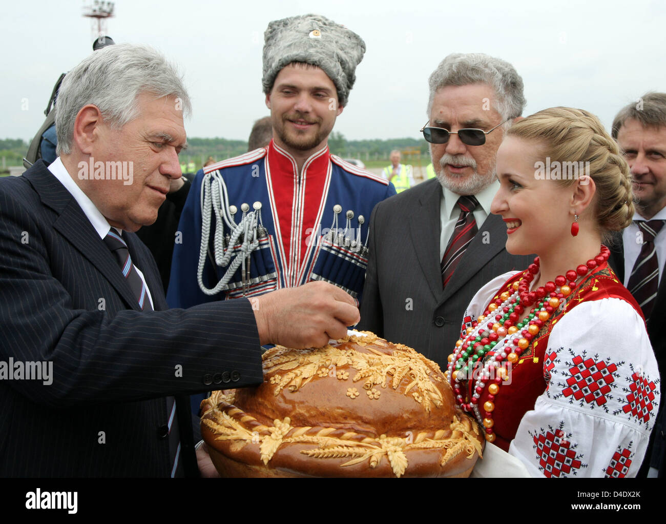German Minister Of Economy Michael Glos L Is Traditionally Welcomed Stock Photo Alamy