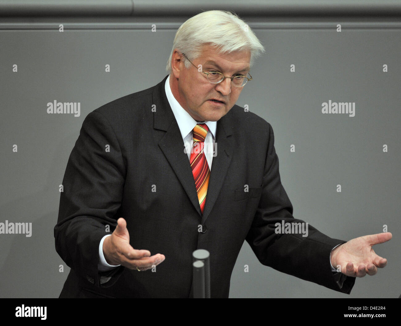 German Foreign Minister Frank-Walter Steinmeier delivers a speech during a special hearing of the German Bundestag in Berlin, Germany, 07 October 2008. German federal cabinet has agreed on the 14-month-extention of the Afghanistan mandate and an additional deployment of 1,000 soldiers, then numbering 4,500 in total. The decision has yet to be ratified by the German Bundestag. Photo Stock Photo