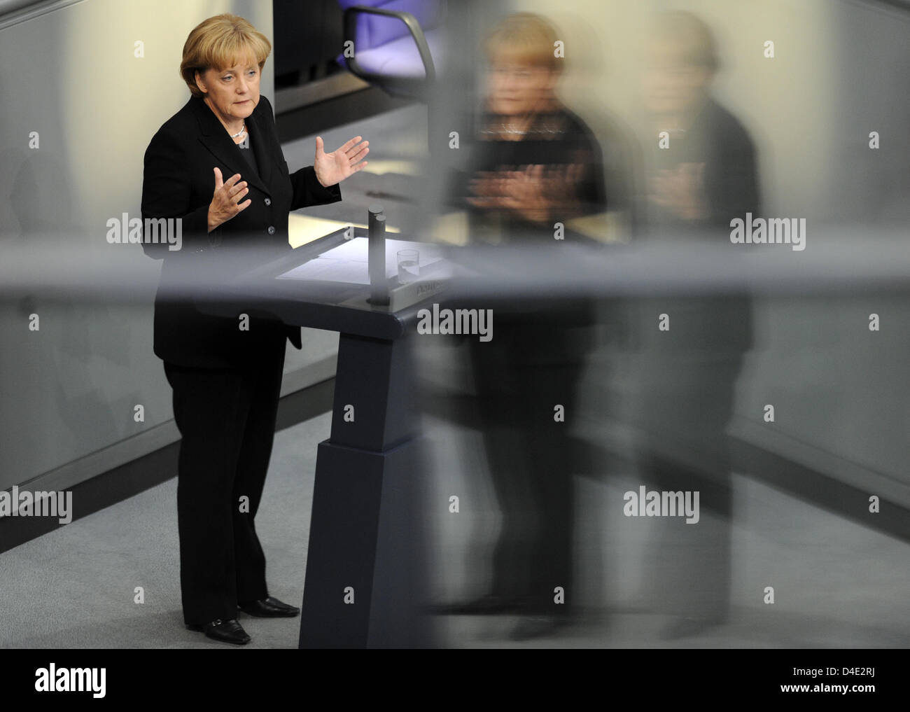 German Chancellor Angela Merkel delivers a government declaration on the global financial crisis at the Bundestag, Berlin, Germany, 7 October 2008. Photo: RAINER JENSEN Stock Photo