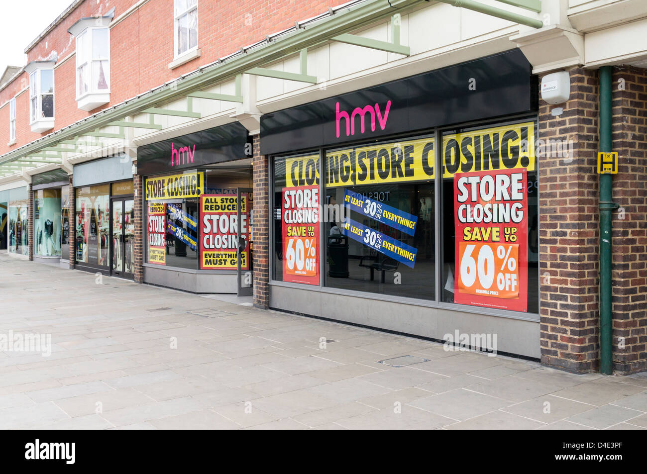 Branch of HMV music store closing down due to UK recession