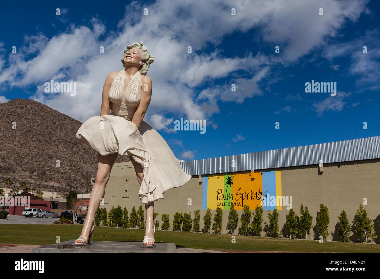 26 foot tall statue of Marilyn Monroe by Seward Johnson, heir to the Johnson & Johnson fortune, that stands - Stock Image