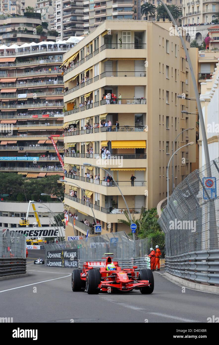Brazilian Formula One Driver Felipe Massa Of Scuderia Ferrari Speeds Stock Photo Alamy