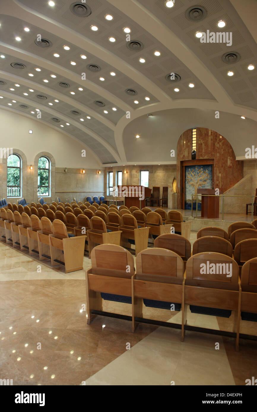 Israel, Tel Aviv, Beit Daniel, Tel Aviv's first Reform Synagogue the prayer hall - Stock Image