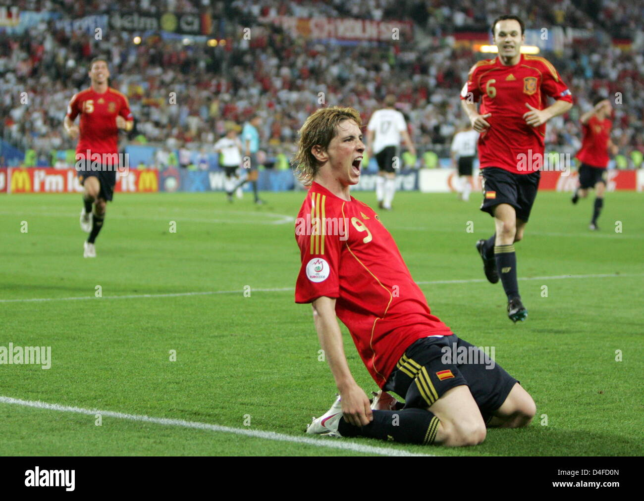 Fernando Torres (C) of Spain jubilates after his 0-1 goal during the UEFA EURO 2008 final match between Germany - Stock Image