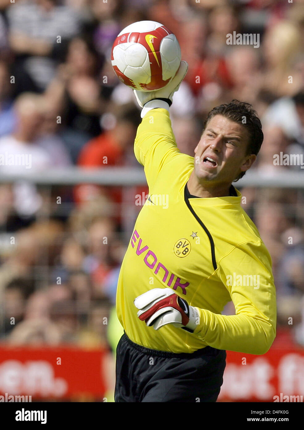 Dortmund's goalie Roman Weidenfeller throws the ball in the DFB Cup 1st round match Rot-Weiss Essen v Borussia - Stock Image