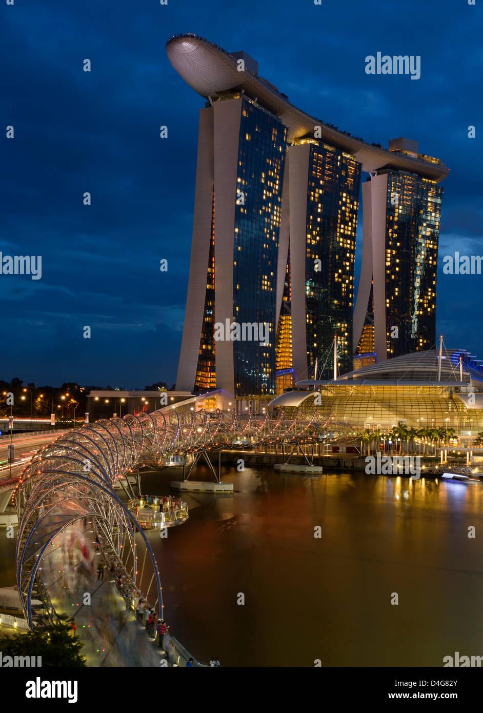 Marina Bay Sands and Double Helix Bridge, Singapore - Stock Image