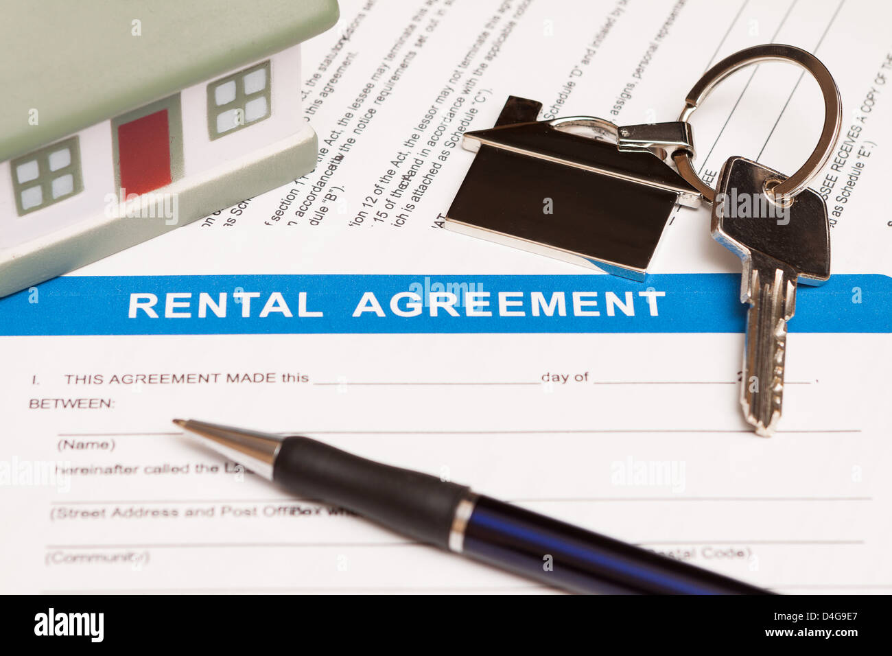 Close up of lease agreement empty document with pen - Stock Image