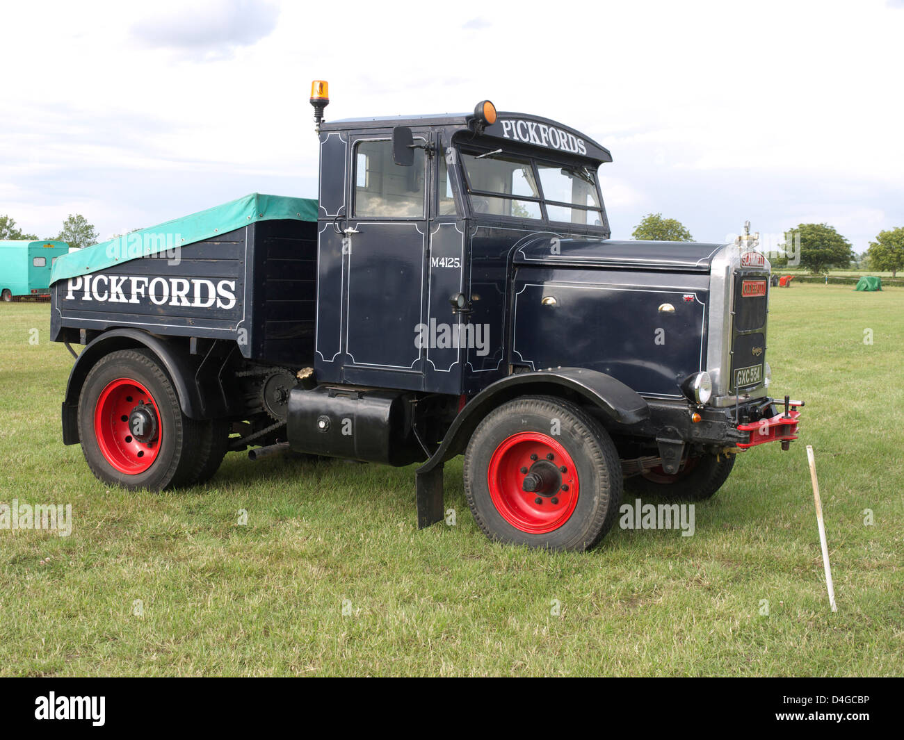 vintage Scammell 'Pickfords' wagon at Morton steam and vintage weekend. - Stock Image
