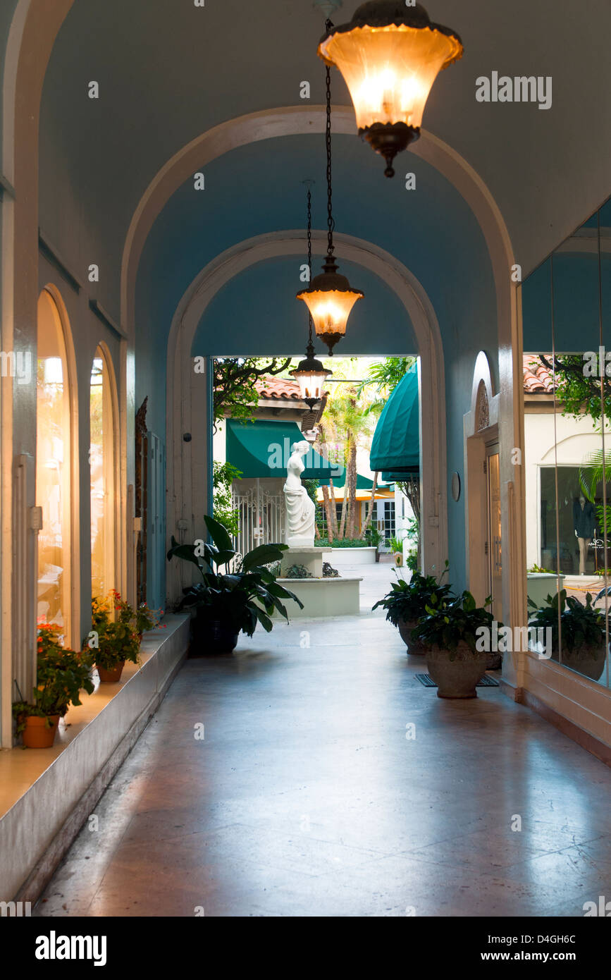 A corridor to shopping courtyard on Worth Avenue, West Palm Beach Florida Stock Photo