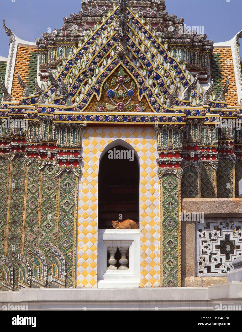 Cat resting at temple, Grand Palace, Rattanakosin Island, Phra Nakhon District, Bangkok, Thailand Stock Photo