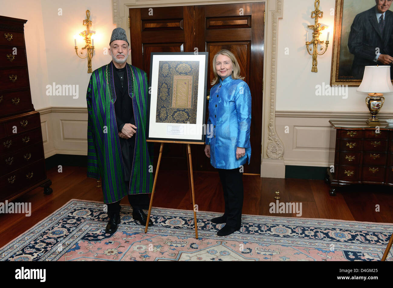 Secretary Clinton Participates in Library of Congress Presentation to the Government of Afghanistan - Stock Image