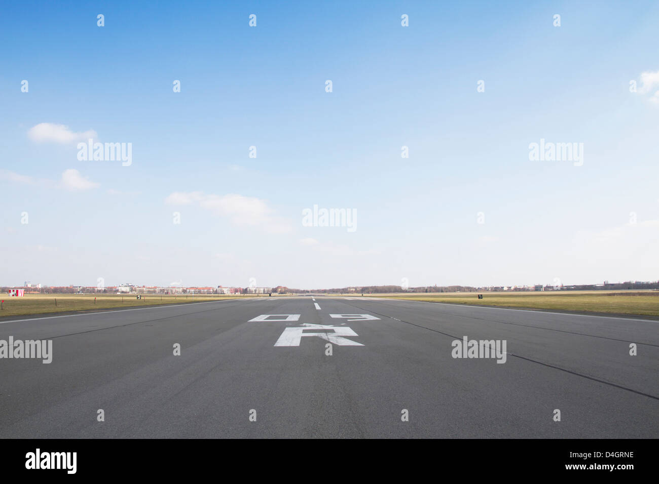 Perspective view of an airport runway - Stock Image