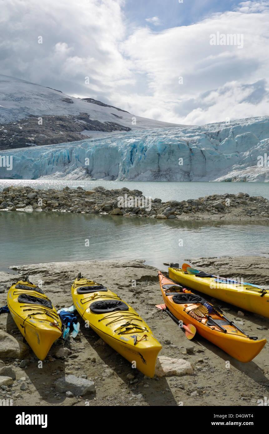 Kayaks, Austdalsbreen Glacier, Styggevatnet Lake, Jostedalsbreen Icecap, Sogn og Fjordane, Norway, Scandinavia - Stock Image