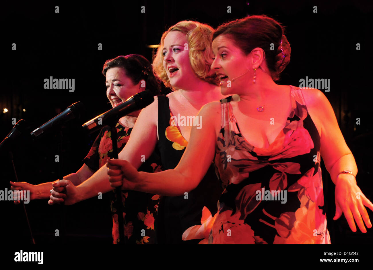 New Orleans based group 'The Pfister Sisters' (L-R) Holley Bendtsen, Debbie Davis and Yvette Voelker perform - Stock Image