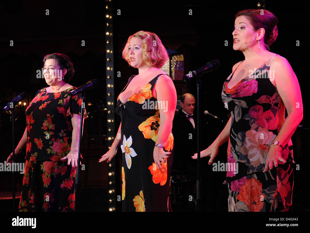 New Orleans based group 'The Pfister Sisters' (L-R) Holley Bendtsen, Debbie Davis and Yvette Voelker perform - Stock Image
