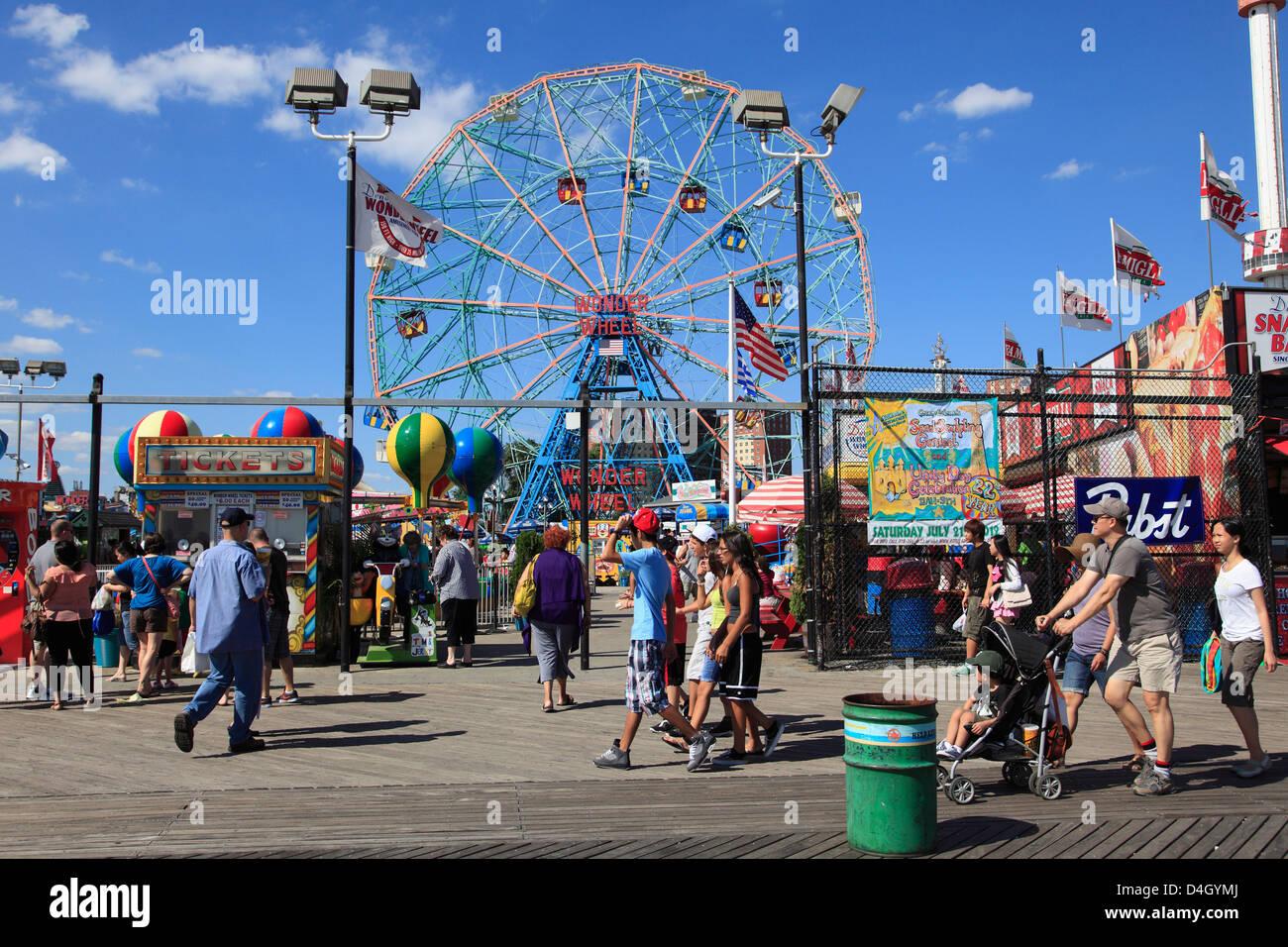 Boardwalk, Coney Island, Brooklyn, New York City, USA - Stock Image